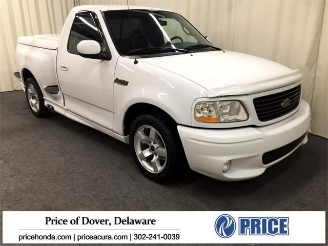 2001 Ford F-150 SVT Lightning Base 2dr Regular Cab 2WD Flareside SB