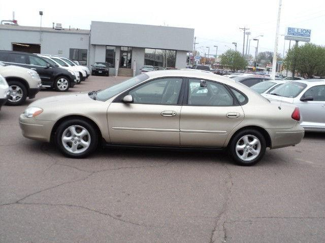 2001 ford taurus se for sale in sioux falls south dakota classified. Black Bedroom Furniture Sets. Home Design Ideas