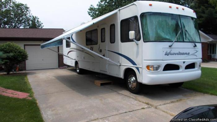 Simple RV RV Signature W4 Slides Commander IV Used RV For Sale For Sale