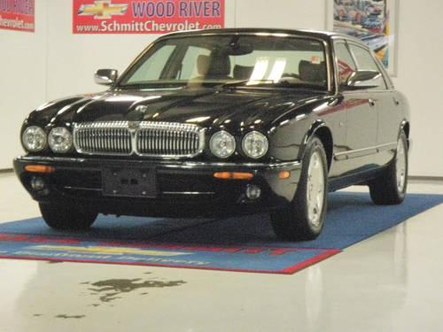 2001 jaguar xj series 4 dr sedan vanden plas for sale in wood river illinois classified. Black Bedroom Furniture Sets. Home Design Ideas