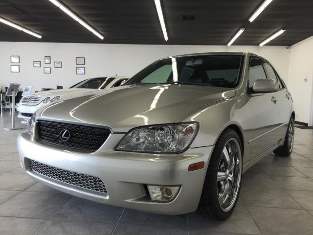 2001 lexus is300 silver 4dr sporty clean car reliable for sale in gold river california. Black Bedroom Furniture Sets. Home Design Ideas