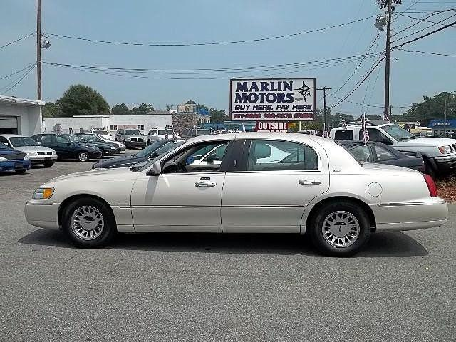 2001 lincoln town car cartier for sale in virginia beach virginia classified. Black Bedroom Furniture Sets. Home Design Ideas