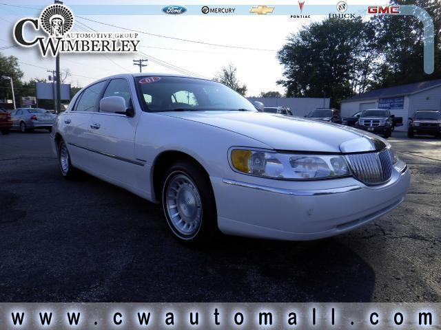 2001 lincoln town car executive for sale in dowagiac. Black Bedroom Furniture Sets. Home Design Ideas