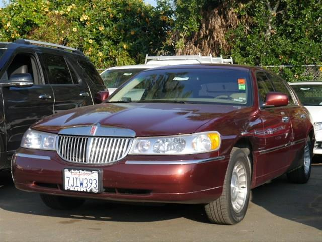 2001 lincoln town car executive santa barbara ca for sale. Black Bedroom Furniture Sets. Home Design Ideas