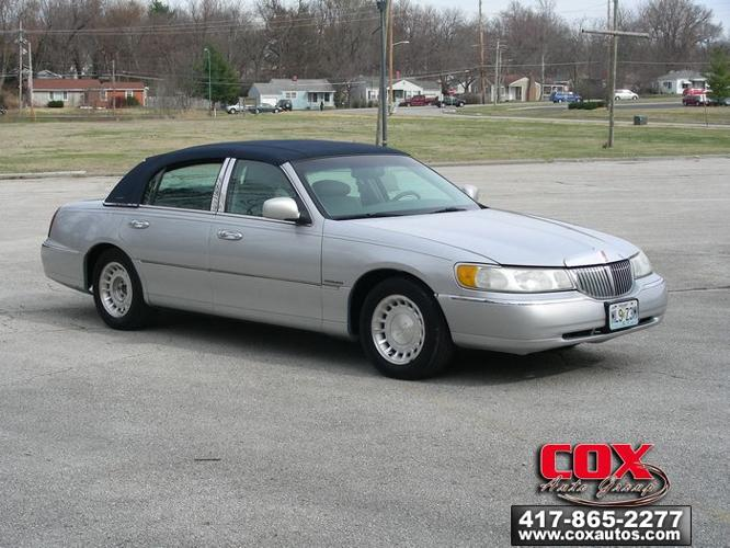 2001 lincoln town car executive springfield mo for sale. Black Bedroom Furniture Sets. Home Design Ideas