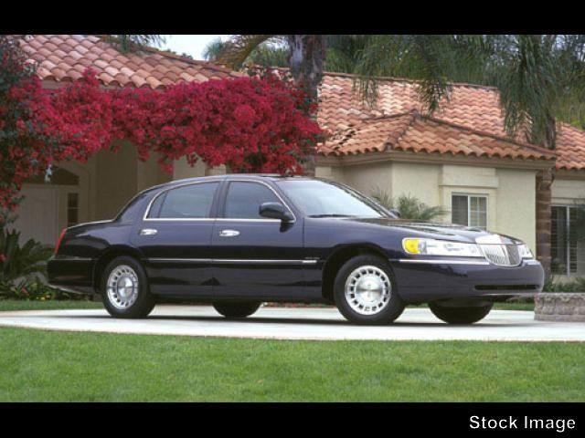 2001 lincoln town car signature morristown tn for sale in morristown tennessee classified. Black Bedroom Furniture Sets. Home Design Ideas