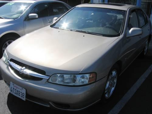 2001 nissan altima gle sedan leather moonroof loaded. Black Bedroom Furniture Sets. Home Design Ideas