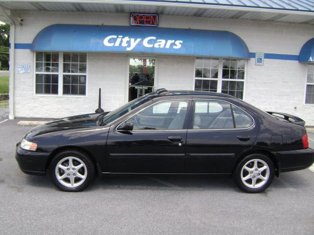 2001 nissan altima se for sale in hagerstown maryland classified. Black Bedroom Furniture Sets. Home Design Ideas
