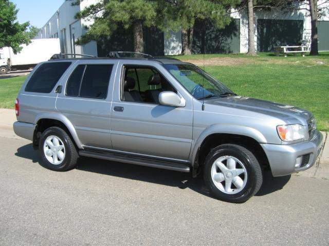 2001 nissan pathfinder le for sale in commerce city colorado classified. Black Bedroom Furniture Sets. Home Design Ideas