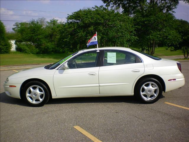 2001 oldsmobile aurora 4 0 for sale in greenville alabama classified. Black Bedroom Furniture Sets. Home Design Ideas
