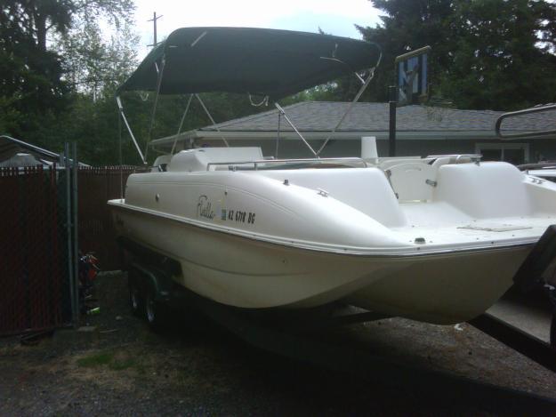 Buy Porta Potty >> 2001 Rinker Flotilla Tri-Hull Fiberglass Deck Boat for ...