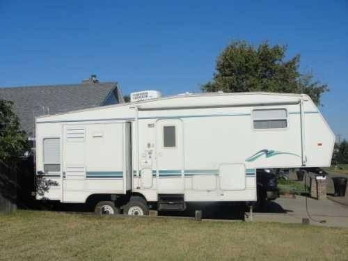 2001 Skyline Nomad Cascade 5th Wheel In Glendive Mt For