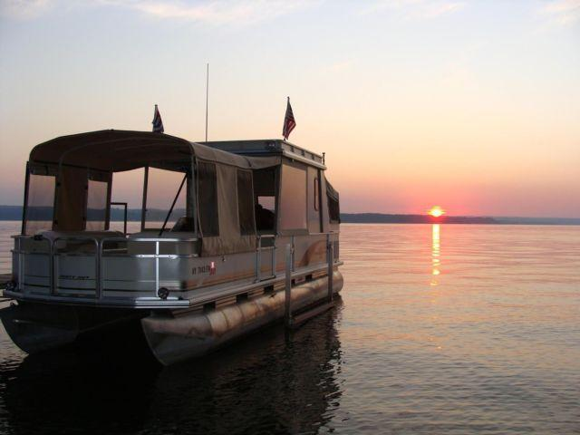 2001 Sun Tracker 30 39 Pontoon Boat Trailer For Sale In