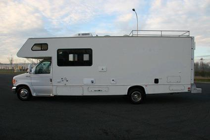 ..2001 Thor Four Winds Fun Mover