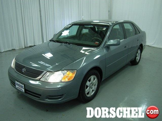 2001 toyota avalon xl for sale in rochester new york classified. Black Bedroom Furniture Sets. Home Design Ideas
