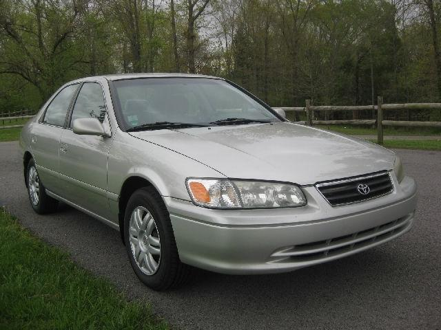 2001 toyota camry le for sale in la vergne tennessee classified. Black Bedroom Furniture Sets. Home Design Ideas