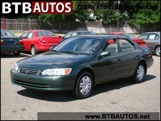 2001 toyota camry le for sale in hopkins minnesota. Black Bedroom Furniture Sets. Home Design Ideas