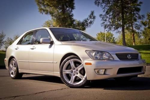 2001 white lexus is 300 sedan 4d for sale for sale in belvedere california classified. Black Bedroom Furniture Sets. Home Design Ideas