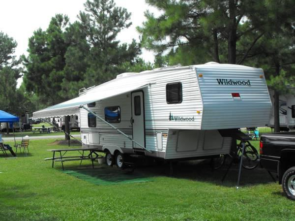 2001 Wildwood By Forest River 5th Wheel Camper For In Saint Inigoes Maryland