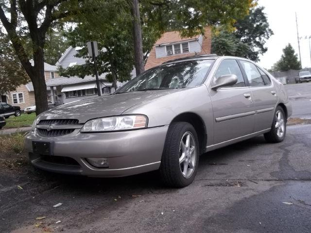 2001 nissan altima for sale in rochester new york classified. Black Bedroom Furniture Sets. Home Design Ideas