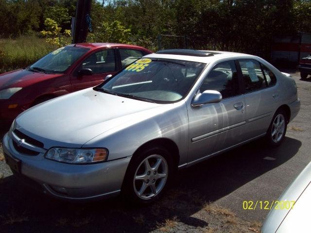 2001 nissan altima se for sale in patchogue new york classified. Black Bedroom Furniture Sets. Home Design Ideas