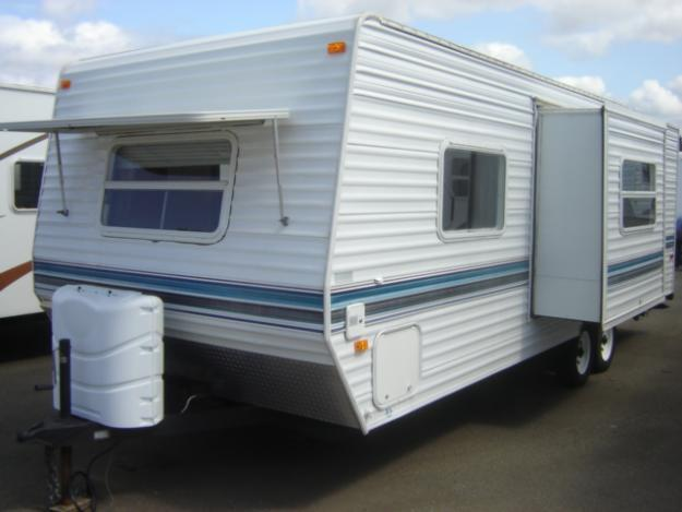 1986 Aljo Travel Trailer 25 http://cadott.americanlisted.com/trailers-mobile-homes/2001-skyline-aljo-lite-25-travel-trailer_18782413.html