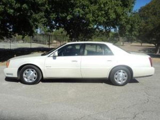 2002 cadillac deville for sale in universal city texas classified. Black Bedroom Furniture Sets. Home Design Ideas