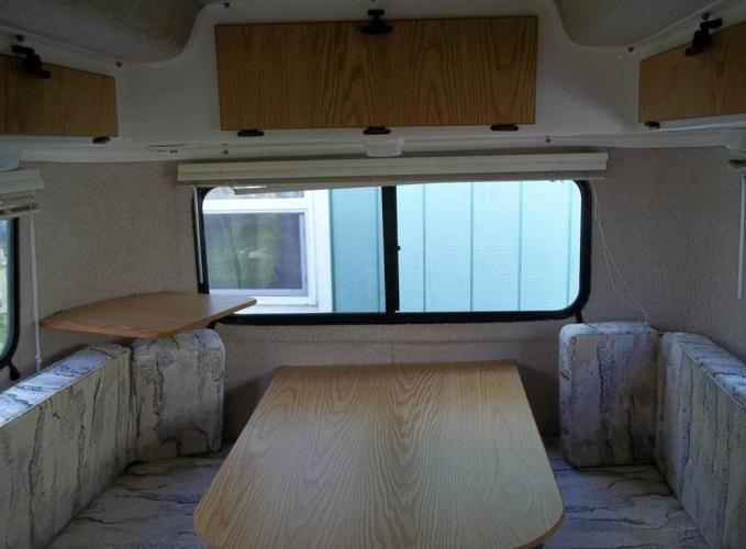 2002 CASITA FIBERGLASS SPIRIT DELUXE TRAVEL TRAILER