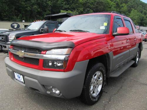 2002 chevrolet avalanche 4wd standard pickup trucks for sale in danbury connecticut classified. Black Bedroom Furniture Sets. Home Design Ideas