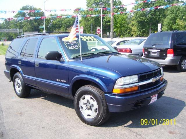 2002 chevrolet blazer ls for sale in newark ohio classified. Black Bedroom Furniture Sets. Home Design Ideas