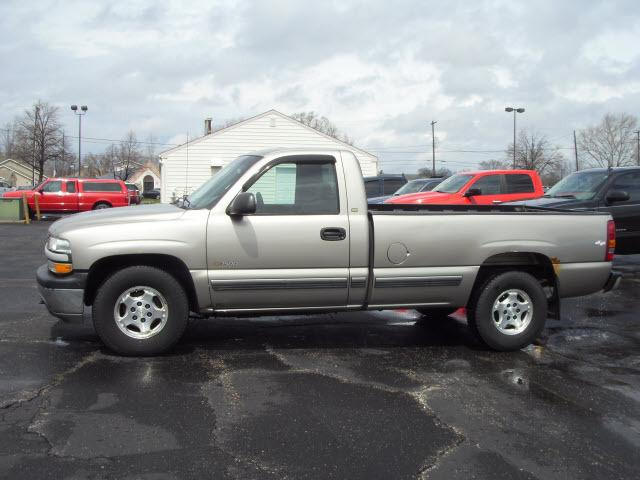 2002 chevrolet silverado 1500 ls for sale in flushing michigan classified. Black Bedroom Furniture Sets. Home Design Ideas