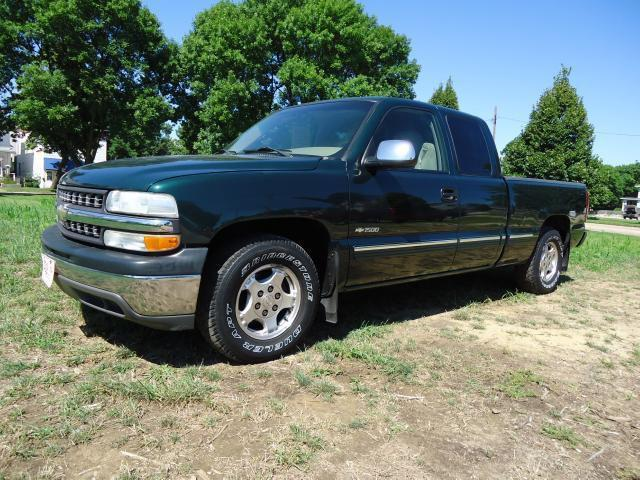 2002 chevrolet silverado 1500 ls for sale in cedar rapids iowa classified. Black Bedroom Furniture Sets. Home Design Ideas