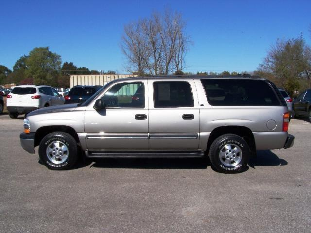 2002 chevrolet suburban 1500 for sale in ames iowa classified. Black Bedroom Furniture Sets. Home Design Ideas