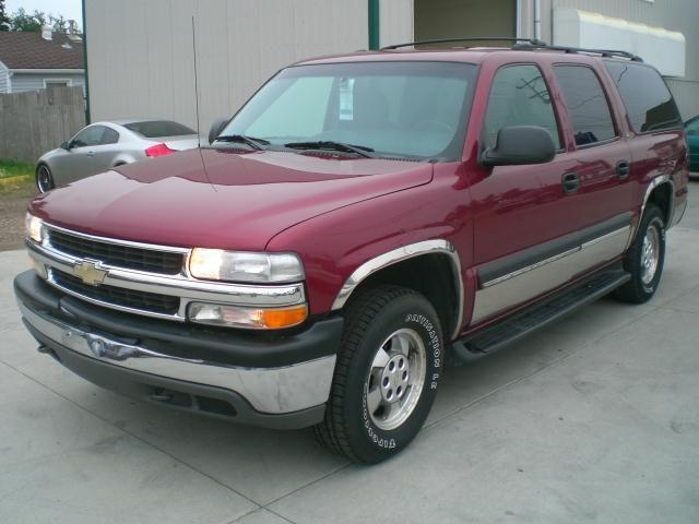 2002 chevrolet suburban for sale in fargo north dakota classified. Black Bedroom Furniture Sets. Home Design Ideas