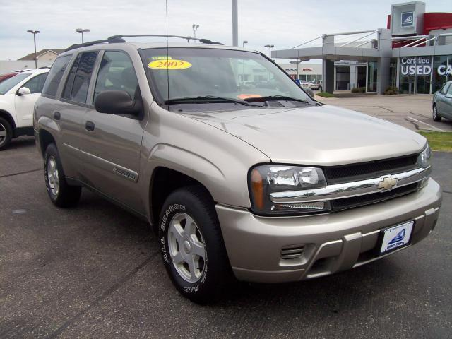 2002 chevrolet trailblazer ls for sale in appleton wisconsin classified. Black Bedroom Furniture Sets. Home Design Ideas