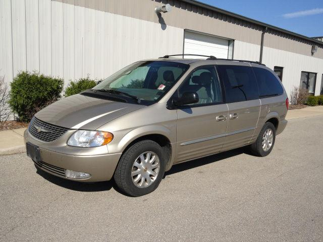 2002 chrysler town country lxi for sale in mendota illinois classified. Black Bedroom Furniture Sets. Home Design Ideas