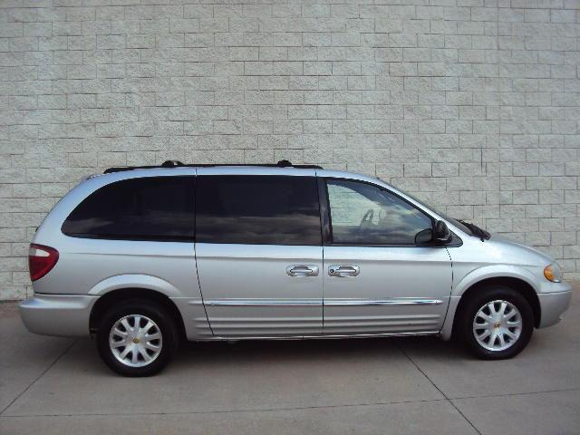 2002 chrysler town country lxi for sale in cullman alabama classified. Black Bedroom Furniture Sets. Home Design Ideas