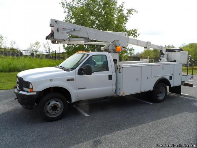 2002 F-550 Bucket Truck 7.3L diesel engine 42' Altec