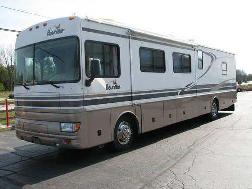 2002 Fleetwood Bounder M39R Diesel Pusher