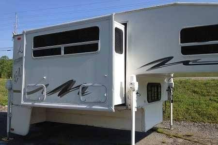 2002 fleetwood elkhorn truck camper in sevierville tn for sale in pigeon forge tennessee. Black Bedroom Furniture Sets. Home Design Ideas
