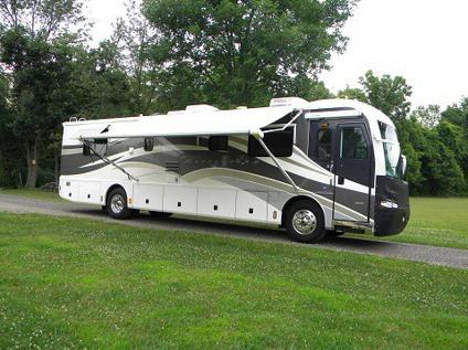 2002 Fleetwood Revolution 38B Low Mileage for Sale in ...
