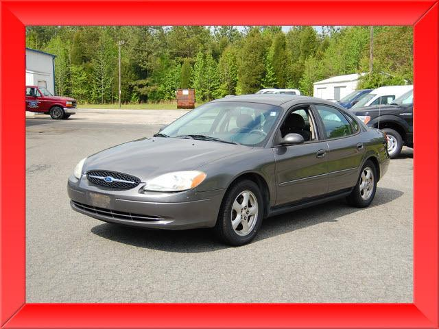 2002 ford taurus se for sale in lexington north carolina classified. Black Bedroom Furniture Sets. Home Design Ideas