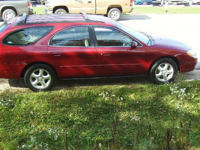 2002 ford taurus se for sale in muskego wisconsin. Black Bedroom Furniture Sets. Home Design Ideas