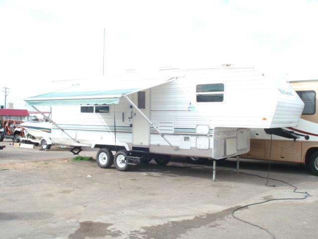 2002 Forest River Wildwood Toy Hauler Fifth Wheel 30 Ft