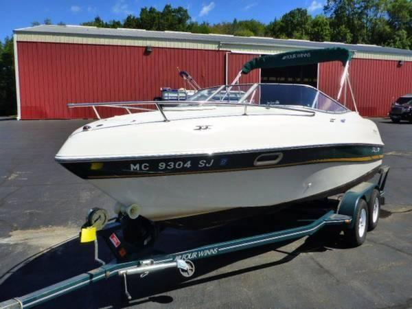 2002 Four Winns 205 Sundowner