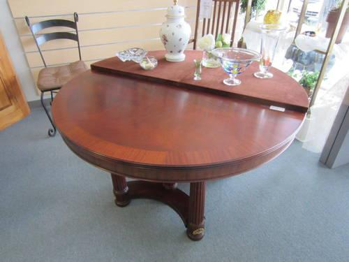 2002 henkel harris mahogany dinning table for sale in olympia washington classified. Black Bedroom Furniture Sets. Home Design Ideas