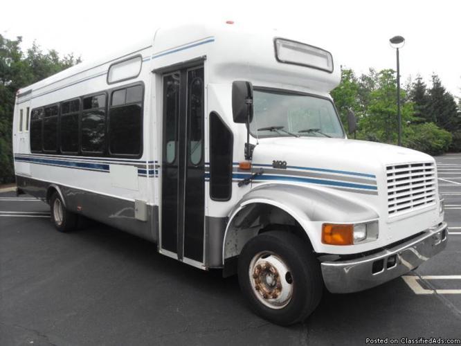 Used Bus For Sale - 2013 Starcraft Allstar 15 Passenger ...  |Passenger Shuttle Buses