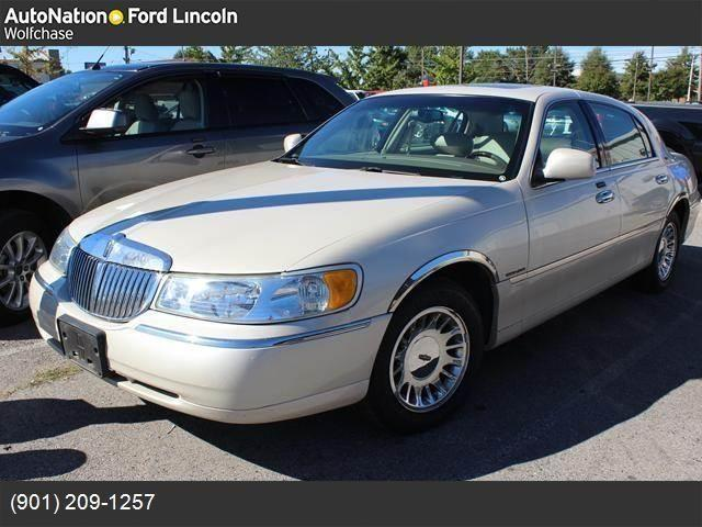 2002 lincoln town car for sale in memphis tennessee classified. Black Bedroom Furniture Sets. Home Design Ideas