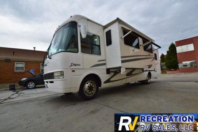 2002 National Rv Dolphin 5342 Motorhome W 2 Slides For