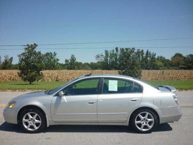 2002 nissan altima 3 5 se for sale in farmville north. Black Bedroom Furniture Sets. Home Design Ideas